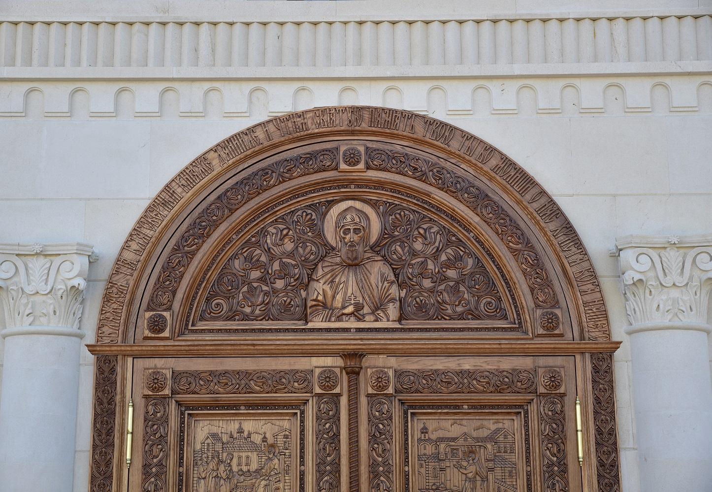 Храмовая дверь, Дверь в храм, Дверь с резыми иконами, резные иконы из дерева, Киот напольный, киот резной, изделия из дуба, церковная утварь, православие, христианство, убранство для храма, икона, резьба, византийский стиль, древневизантийский орнамент, орнамент, растительный орнамент, 3d,