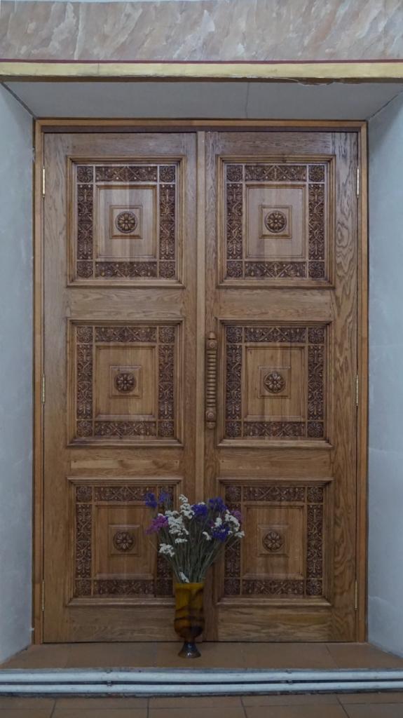 Дверь дубовая, храмовая дверь, входная группа, интерьер, дуб, изделия из дуба, резьба, церковная утварь