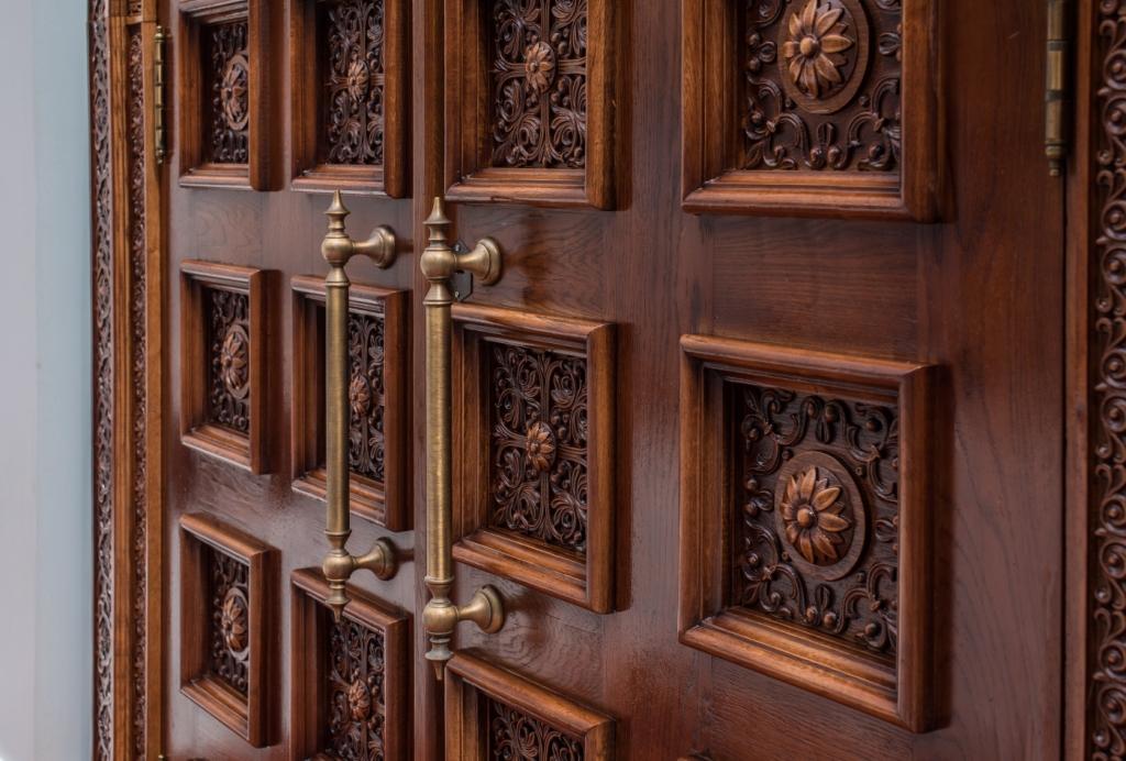 Дверь, дубовая дверь, храмовая дверь, парадная дверь, изделия из дуба, церковная утварь, православие, христианство, убранство для храма, резьба, византийский орнамент, растительный орнамент, орнамент, 3d