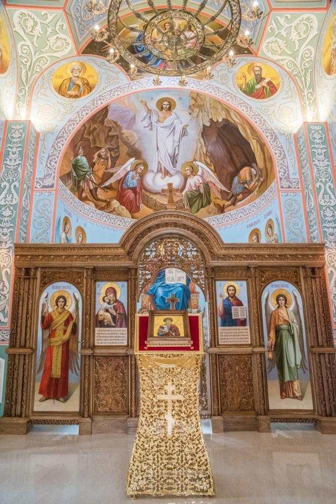 Иконостас, иконостас из дуба, православный храм, часовня, освящение храма, церковное убранство, изделия из дуба, церковная утварь, православие, христианство, убранство для храма, резьба, византийский орнамент, растительный орнамент, орнамент, 3d